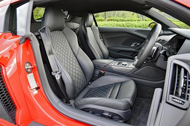 画像: ファインナッパレザーのシートは標準装備だが、ダイヤモンドステッチ入りはオプションとなる。