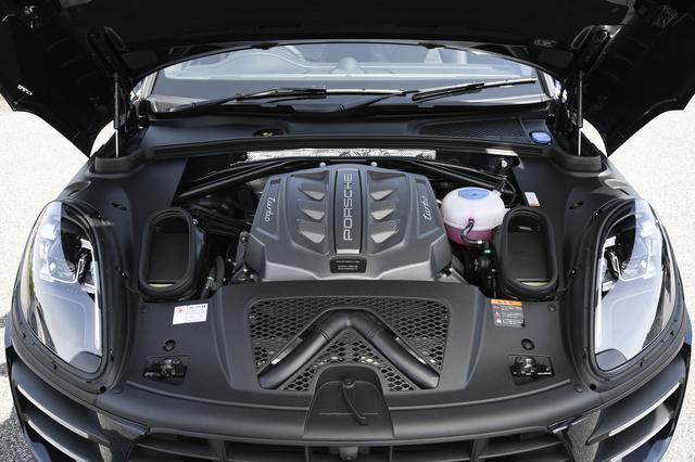 画像: 3.6L V6ツインターボはマカンターボよりさらに40 ps/50Nmもパワーアップ、実に440ps/600Nmに達する。