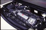 画像: NSX type R のエンジンには、クランクシャフトのバランス精度向上、ピストン/コンロッドの重量精度向上などの手が加えられている。