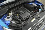 画像: +エンジンは4気筒1.4TFSI(写真)と3気筒1.0 TFSIをラインナップ。全車7速Sトロニックと組み合わされる。