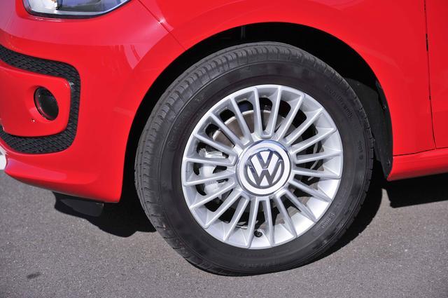 画像: ハイアップ!は15インチアルミホイールを標準装備する。装着するタイヤサイズは185/55R15。