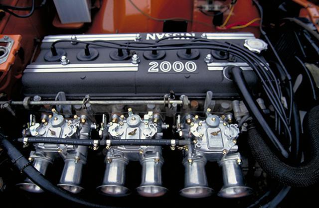 画像: Z432Rに搭載されたS20型4バルブDOHC。エアクリーナーを外し、むき出しのファンネルが装着されている。