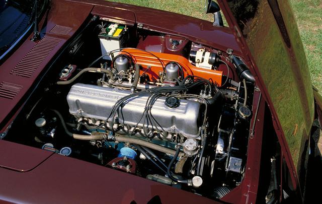 画像: 北米仕様と同じ2.4ℓSOHCエンジンを搭載。神経質だったS20型よりもトルクがあり乗りやすかった。