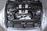 画像: 336psを誇る3.7ℓV6DOHCのVQ37VHRを搭載。現行NISMOではさらにチューンアップされ355psを発生する。