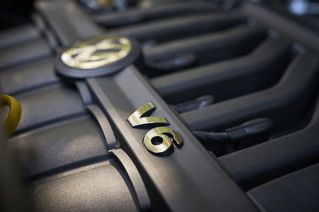 画像: 搭載されるエンジンは3.6L V6と2L 直4ターボの2種類。まずはV6エンジン搭載車から販売がスタートされる。
