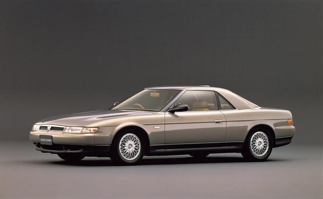 画像: 1305mmという全高は、当時の 2ドアスポーツカーに迫る低さ。