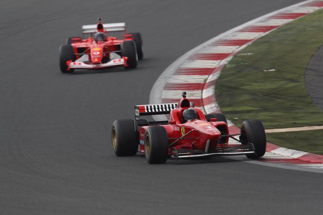 画像: フェラーリF1マシンのデモンストレーション走行も行われる。