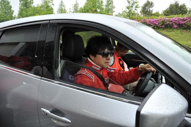 画像2: 座学で運転の基本を学び、サーキットで実践テクを習得
