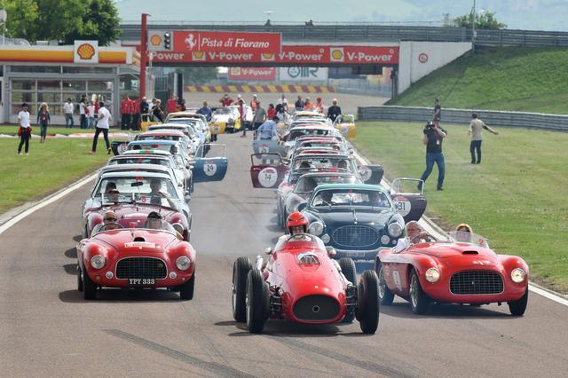 画像4: 【海外イベント】歴代フェラーリ70台がイタリア・トスカーナでパレードラン