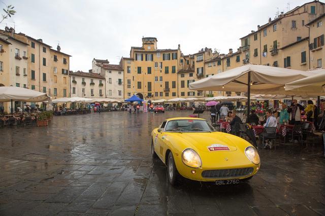 画像3: 【海外イベント】歴代フェラーリ70台がイタリア・トスカーナでパレードラン