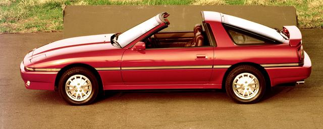 画像: スープラ初のオープントップモデル「エアロトップ」も登場した。