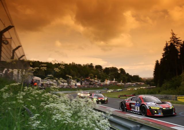 画像: 2016年のニュルブルクリンク24時間レース。R8 LMSは三連覇の夢を叶えることはできなかった。