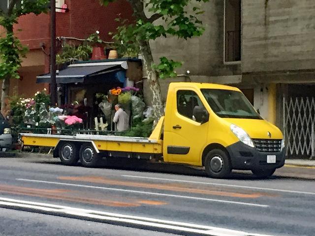 画像: 小型トラックなのに、3軸のトランスポーター!?