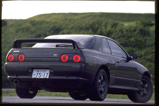 画像: 歴代 GT-R の中でもとくに人気が高いのが、このR32だ。