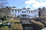 画像: 村には、大正時代の雰囲気を残した店舗、資料館、博物館が保存されている。写真の「大正浪漫館」のほかに、日本大正村資料館、大正時代館などの施設が見どころとなっている。