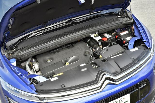 画像: 150ps/370Nmを発生する2Lディーゼルターボを搭載。JC08モード燃費は18.0km/L。