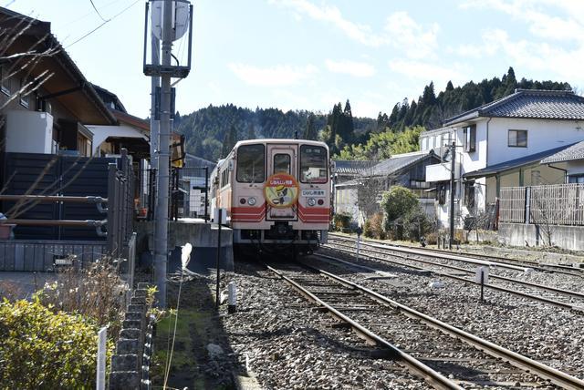 画像: トップの写真が、明智駅。恵那発で、約25kmを走る明知線の終着駅である。