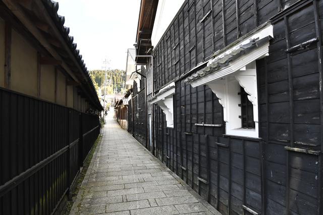 画像: もともと大正時代を思わせる古き良き時代の街並みが続く、情緒あふれる街だったそう。