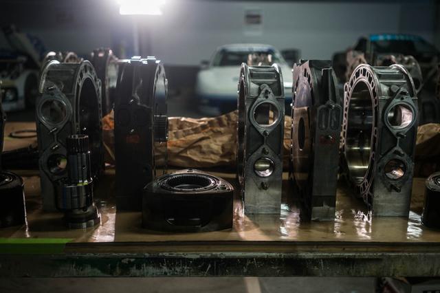 画像: レシプロエンジンとは原理が異なるロータリーエンジン。世界で唯一実用化に成功したマツダのアイデンティティでもあります。