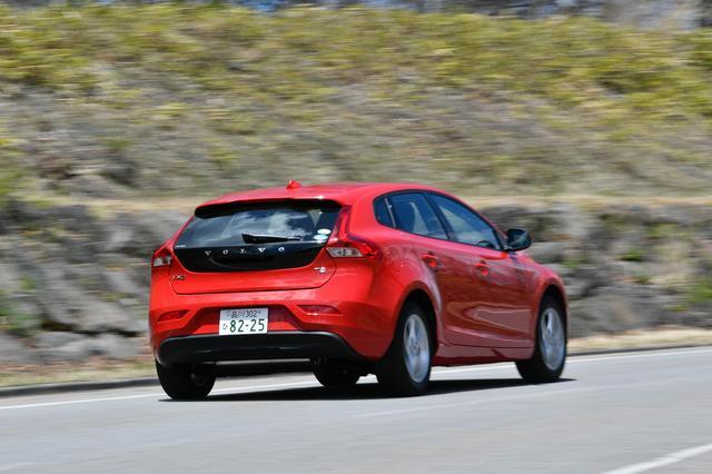 画像: ボディ剛性が高いため、車両重量1480kgという車体を軽やかに走らせることができる。