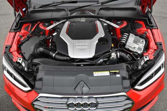 画像: エンジンはCWG型V6・2944ccターボ。JC08モード燃費は12.7km/L。
