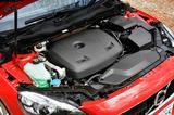 画像: エンジン型式はT3と共通のB4154Tで、1.5Lの直4ターボ。122ps/220Nmというスペックは必要十分に感じる。