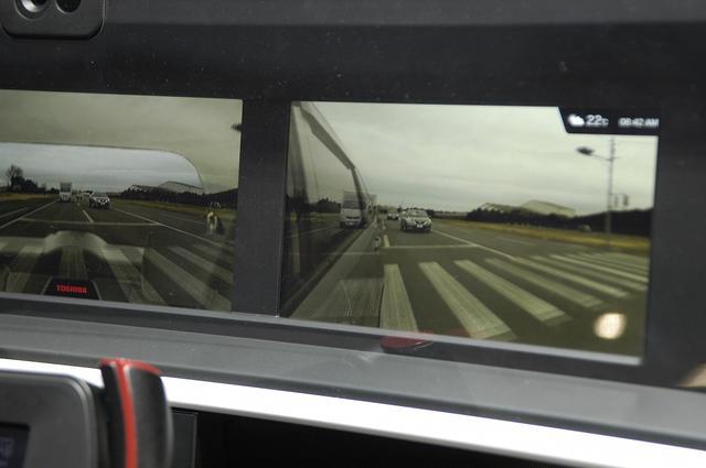 画像: こうした「サイドミラーの電子化」は、ドライバーの視線移動が少ないこともメリットといえそうだ。SDS社の解説によれば「視線移動が少なくなることで、前方を監視しやすくなる」という。