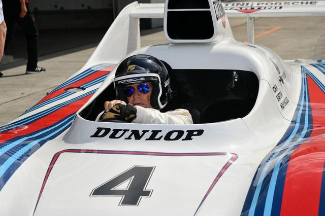 画像: ジャッキー・イクス氏は936をドライブ。