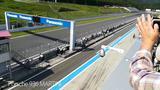 画像: ポルシェ 936 MARTINIと956 Rothmansが富士スピードウェイをデモ走行 www.youtube.com