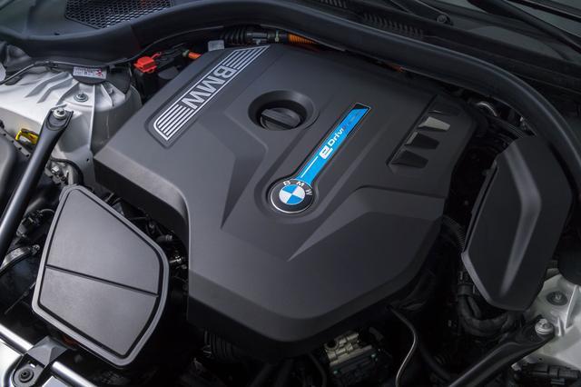 画像: 184psの2L 直4ターボエンジンに113psのモーターを組み合わせたシステム最高出力は252ps。