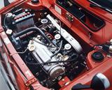 画像: シビック 1200RSにはCV型可変ベンチュリーキャブを2連装して最高出力 76ps/最大トルク 10.3kgmを発生。