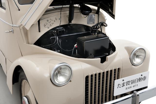画像: 今では当たり前のアリゲータータイプのボンネットも「たま」が初めて採用。モーターは直流式で、抵抗器でスピードをコントロールしていた。