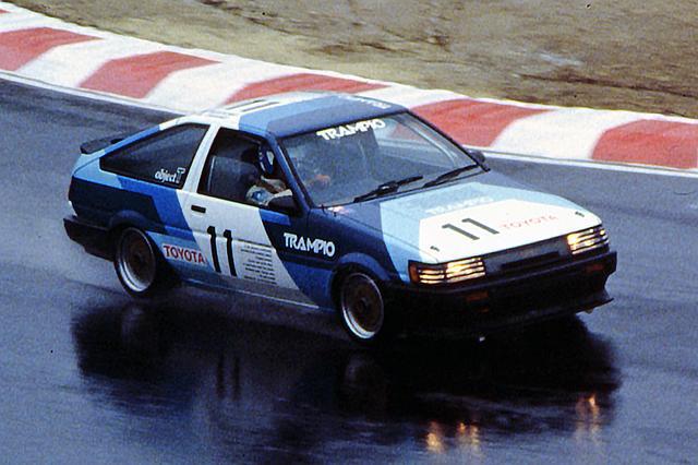 画像: AE86 カローラ・レビン(1985年)
