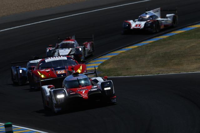 画像: ポールポジションからスタートしてレースを10時間リードしたトヨタTS050 HYBRIDの7号車だったが、クラッチトラブルでリタイア。