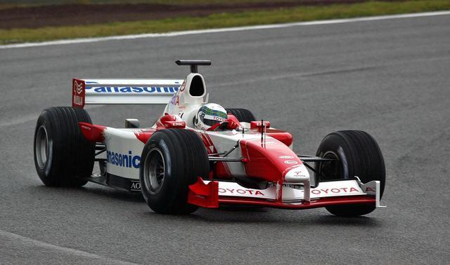 画像: トヨタ TF102(2002年)