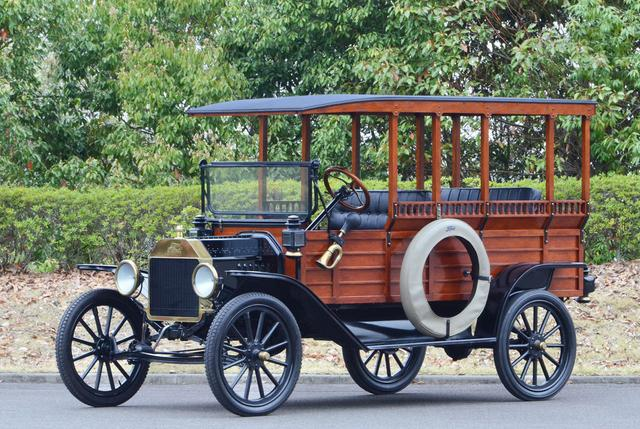 画像: フォード モデルT デポヘック(1914年 アメリカ)。アメリカでは駅まで人と荷物を運ぶ車として活躍。
