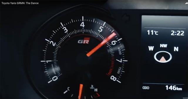 画像: エンジンのレッドゾーンは6700回転であることがわかります。それにしても勇ましいエキゾーストノートですね。