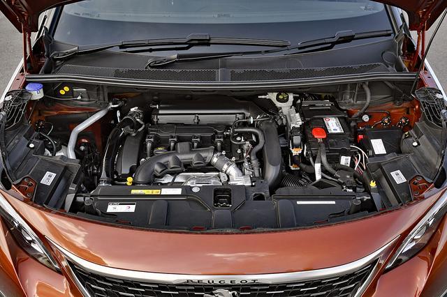 画像: PSAのガソリンエンジンとしておなじみの1.6Lターボは165ps/240Nmを発生し、6速ATと組み合わされる。