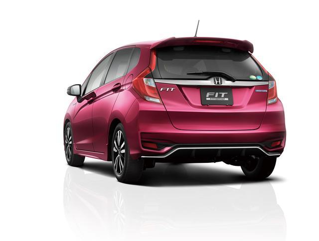 画像1: フィットをマイナーチェンジ! ~デザインを一新し、Honda SENSING を採用~