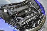 画像: フロントフードの下は前輪用モーターやラジエターなどの補器類がギッシリで、カーゴスペースではない。