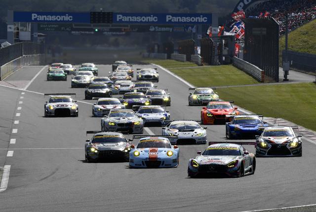 画像: ポールの4号車が好スタート、この後11号車が9号車のインを挿し2番手に浮上