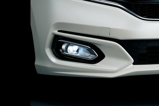 画像: LEDフォグライト クリア(点灯イメージ)
