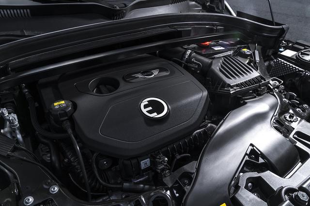 画像: 136psを発生する1.5L 直3ターボに88psの電動モーターを組み合わせたシステム最高出力は224psをマークする。
