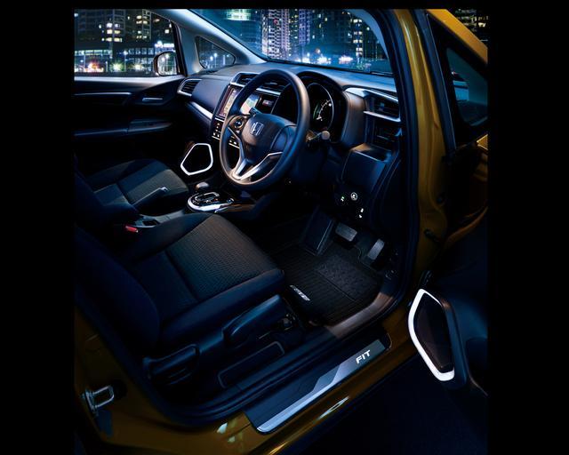 画像: 純正アクセサリー装着車 インテリアイメージ