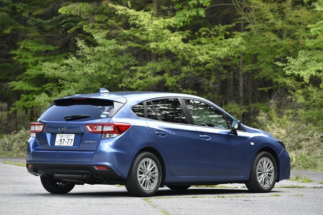 画像: 正直、外観の1.6ℓモデルと2ℓモデルの差は少ない。タイヤのインチ数は異なる。