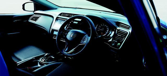 画像: HYBRID EX・Honda SENSING(ブラック/コンビシート)