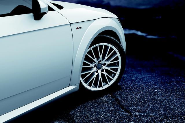 画像: 限定車ライティングスタイルエディションに設定される18インチホイール。