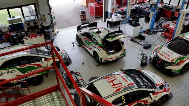 画像: JASモータースポーツはシビックWTCCの開発・製作を行っているイタリアの名門ファクトリー。