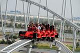 画像: 一番人気のアトラクションは「フォーミュラ ロッソ」というジェットコースター。最高速はなんと240km/hオーバー。