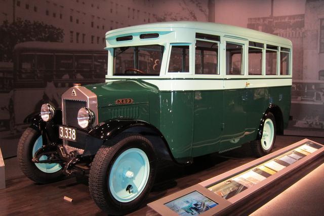 画像: 1929年に製造されたスミダM型バス。現存する国内最古のバスだ。